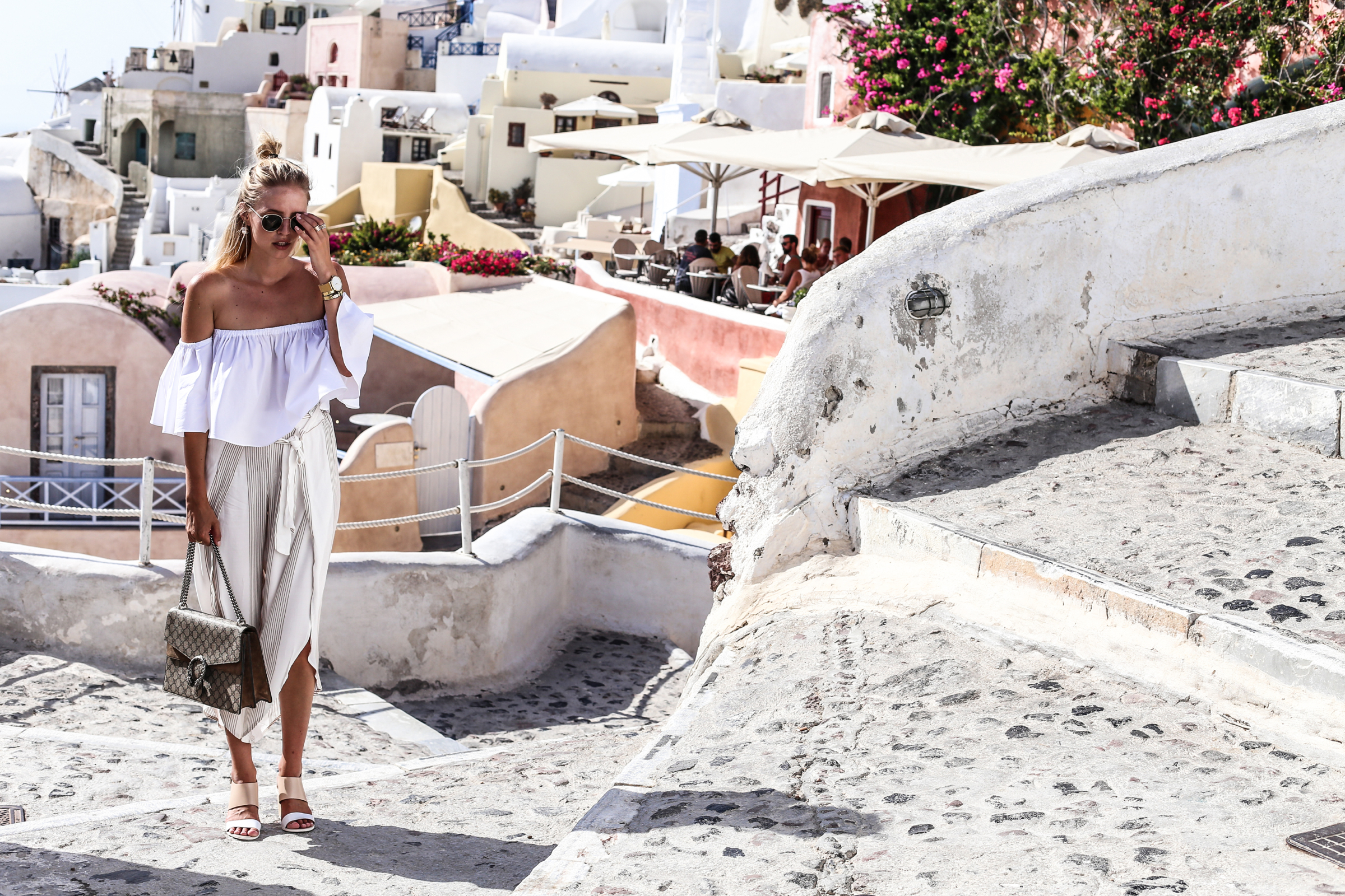 Nude shades & Gucci earrings | Santorini