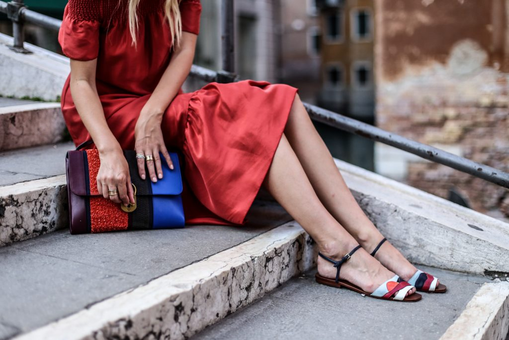 ToryBurch_offshoulder_dress_sandals_bag_ohhcouture_venice1