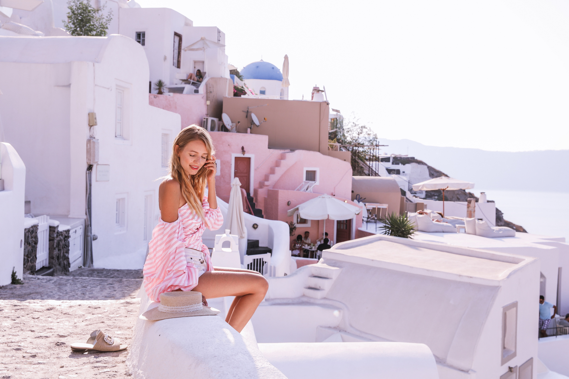 Wrapped blouse & Pink hues | Santorini